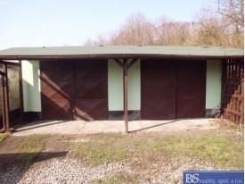 Prodej dvou garáží s pozemkem