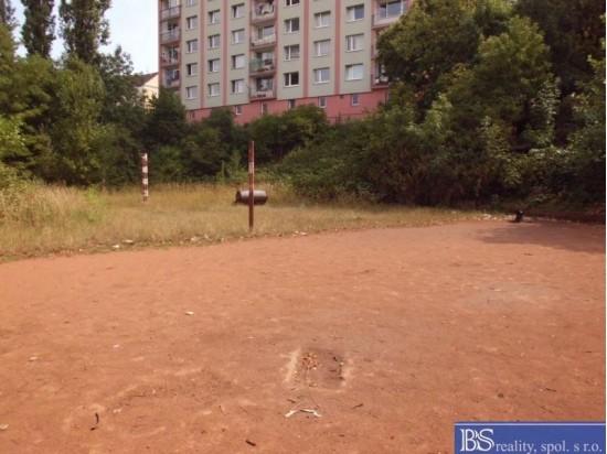 Prodej zasíťovaného pozemku v ulici Žukovova - Střekov