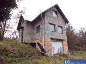 Prodej rozestavěné chaty s pozemkem v Habřině u Úštěku